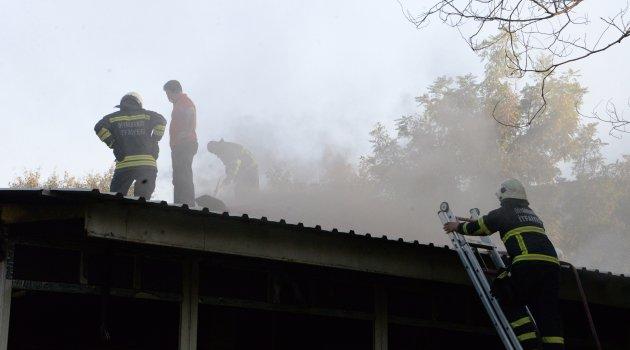 Diyarbakır'da parkın içindeki yapıda yangın