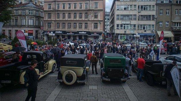 Saraybosna'da Klasik Otomobil Fuarı