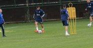 Fenerbahçe'de Perotti takımla çalıştı
