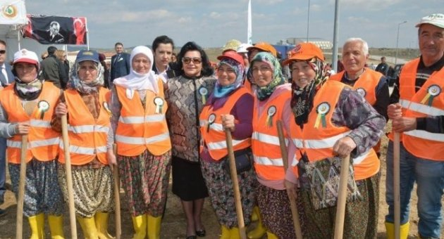 Vali Civelek KLÜ'de Fidan Dikim Törenine Katıldı