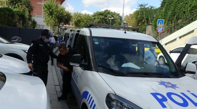 Zorla uyuşturucu kuryesi yapıldığını iddia eden kadın polislere teslim oldu